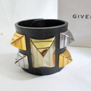 NEW GIVENCHY LEATHER METAL CUFF SPIKE Bracelet